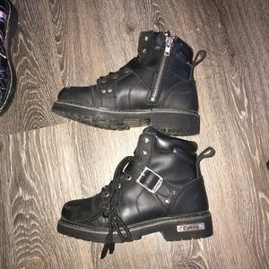 Used die hard boots